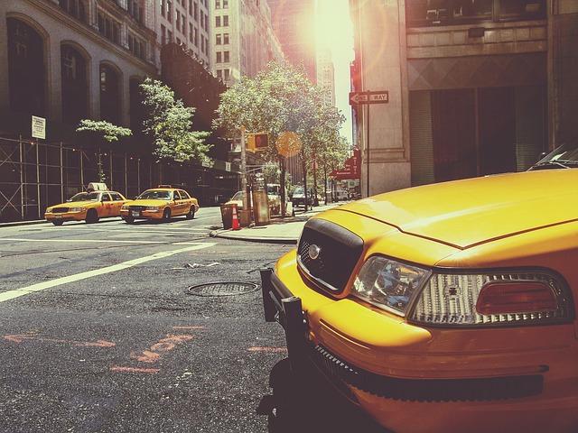 Spanisches Gericht verbietet amerikanisches Unternehmen Uber Taxialternative in Spanien