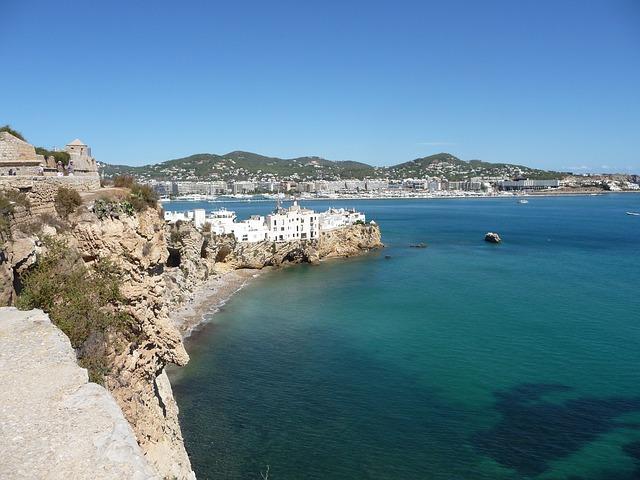 """Spanien auf Platz 1 im globalen Ranking """"Wettbewerbsfähigkeit des Tourismussektors 2015"""""""